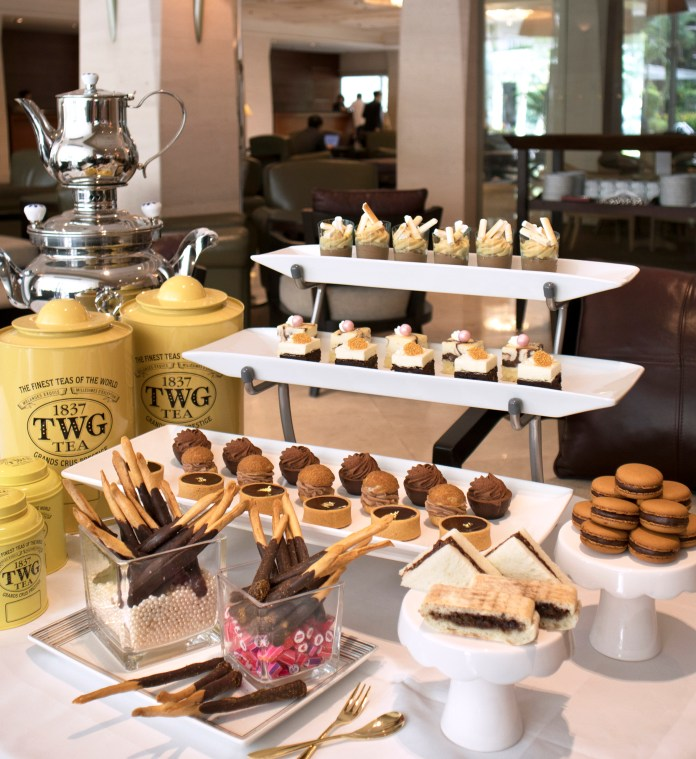 L'Espresso: 'Chocolate Divine' English Afternoon Tea