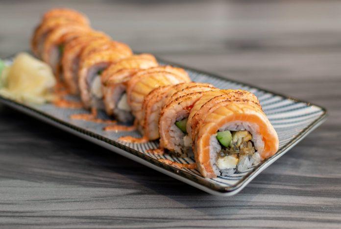 En Sushi—Unagi Cheese Salmon Aburi Maki