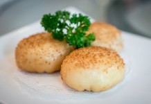 Yan-Singapore National Day-Pan-fried Singapore Chilii Crab Meat Bun