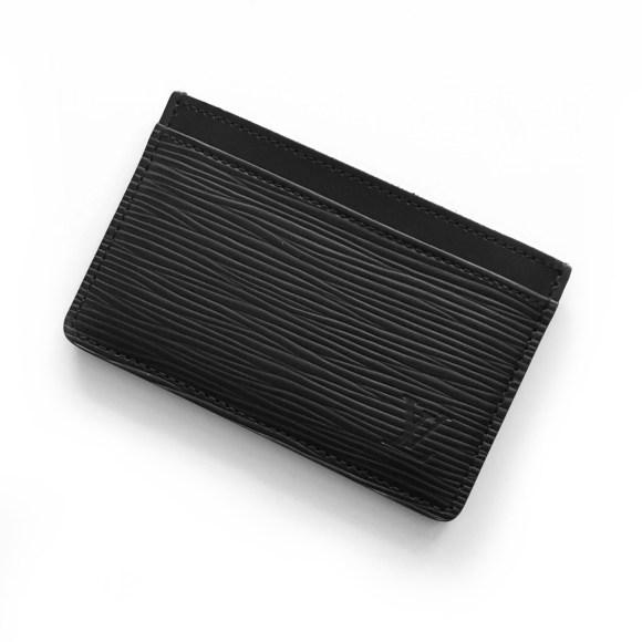 Louis Vuitton Epi Leather Simple Card Case Review | CoffeeAndHandbags.com