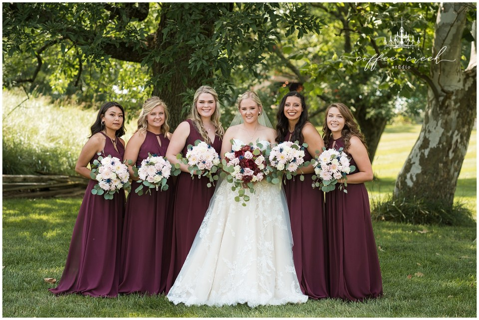 bride and bridesmaids portraits