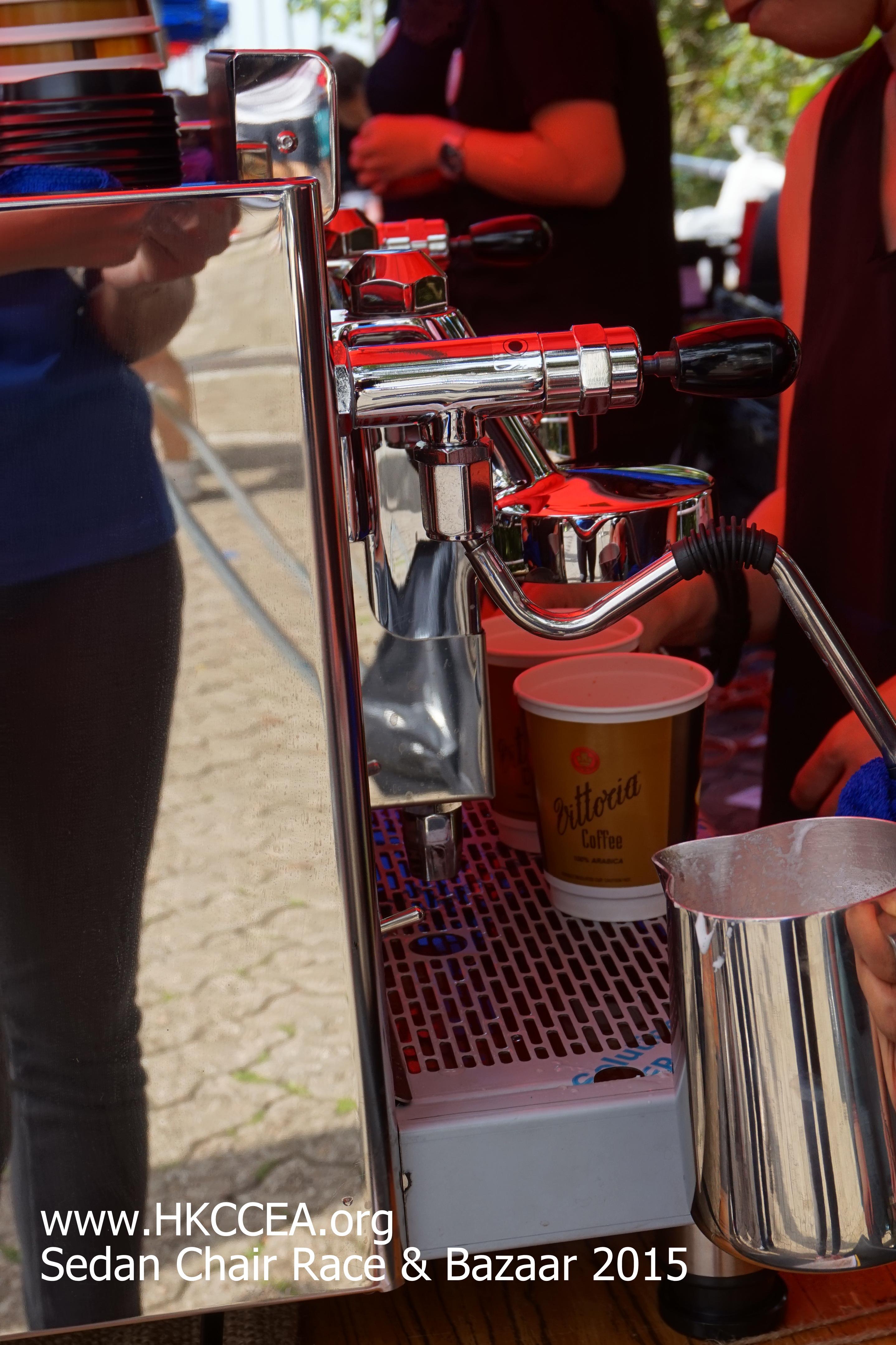【義賣咖啡】抬轎比賽暨慈善賣物會 完滿結束 – 香港咖啡文化促進會