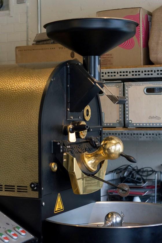 Glitch Coffee & Roasters: Jimbocho