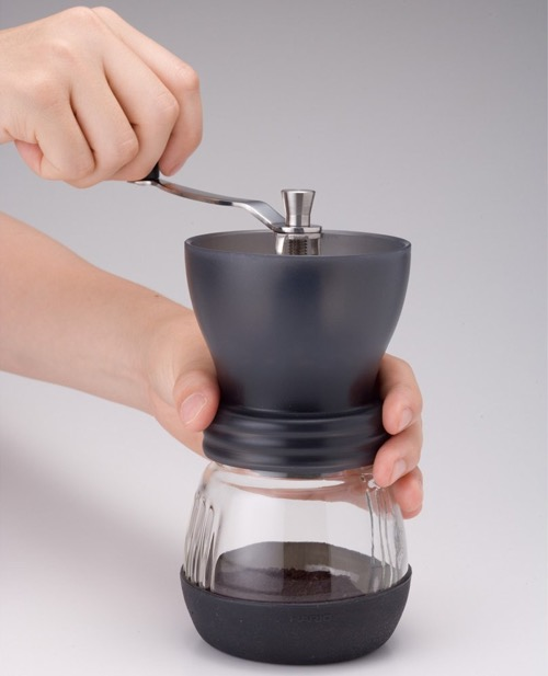 Hario Ceramic Coffee Mill Skerton Storage Capacity2