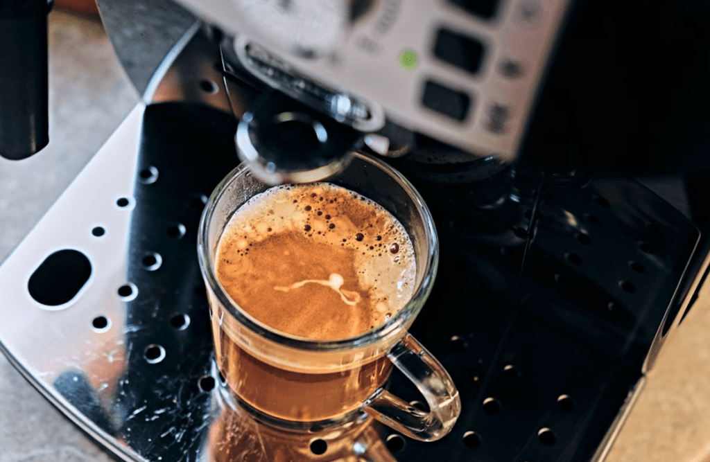 The Best Coffee Maker With Water Line [2020 Guide]