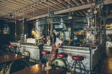 Lifestyle : TRUTH un coffee shop steampunk