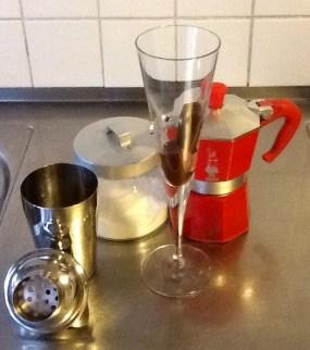 The shake shake shake of the cold espresso