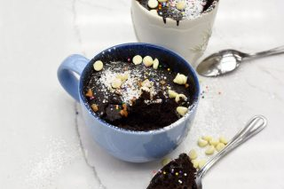 [Video] Chocolate Microwave Mug Cake for Your Coffee