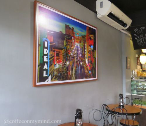 Avenida Pasteleria in Meycauayan Bulacan painting and oil lamps