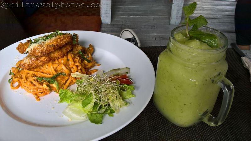 satinka naturals cooler and chicken pasta