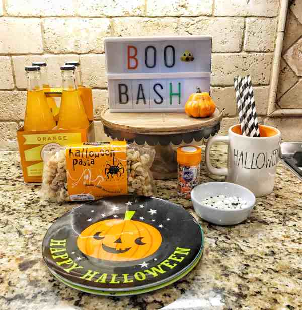 Halloween Themed Dinner Idea #kidfriendly #notsospooky #easy #boobash #halloweenparty