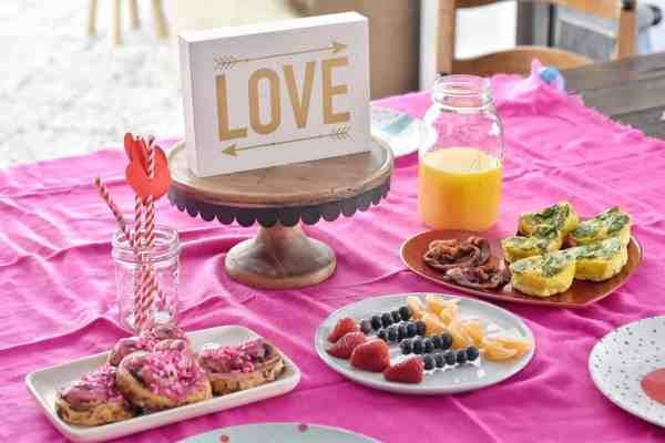 Valentine's Day Breakfast Ideas #easy #kids #family #fun