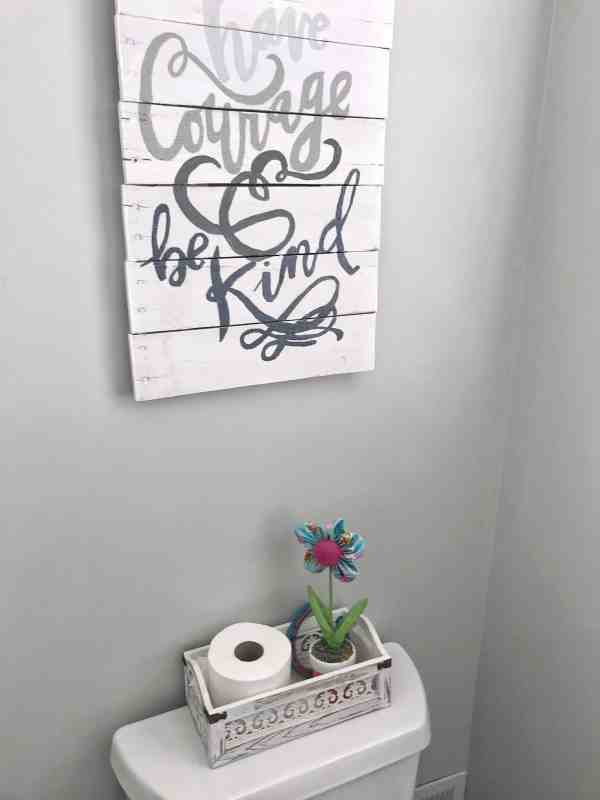 How to Organize Small Kids Bathroom