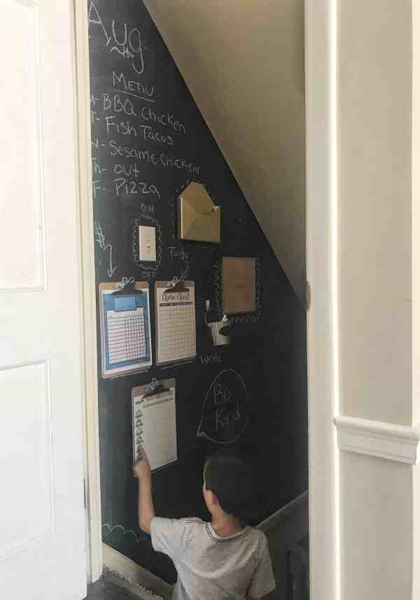 Tips for creating a family command center #organization #wall #chores