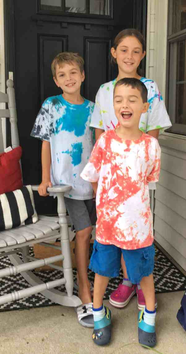 Tips for Tie Dyeing with Kids #rainyday #budget #easy
