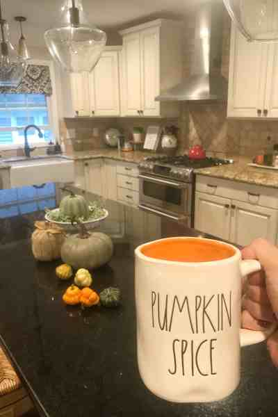 Fall Farmhouse Decorating #ideas #fixerupperstyle#falldecor #inexpensivedecorideas