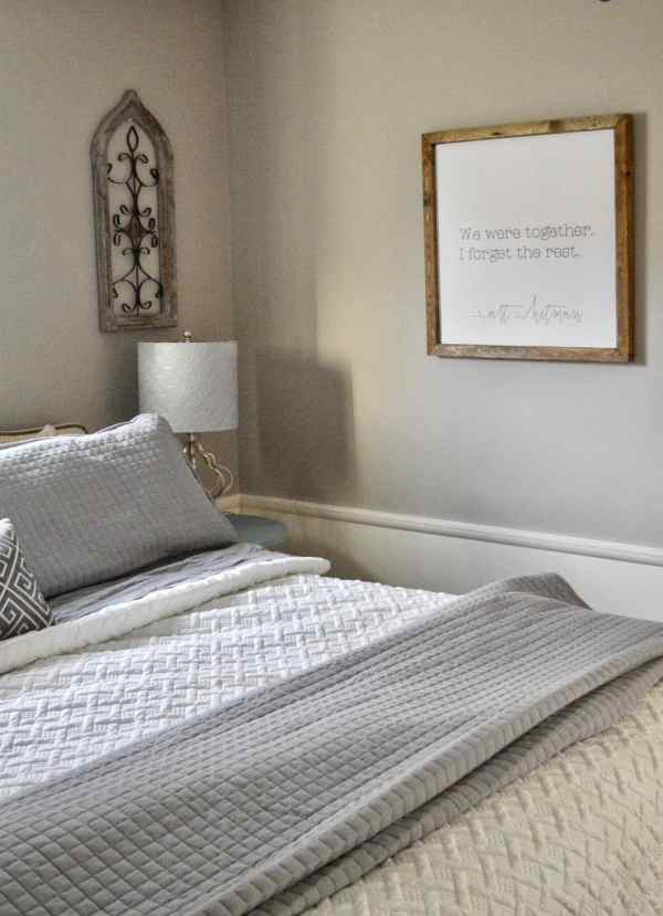 Neutral Farmhouse Master Bedroom #bedding #gray #fixerupperstyle