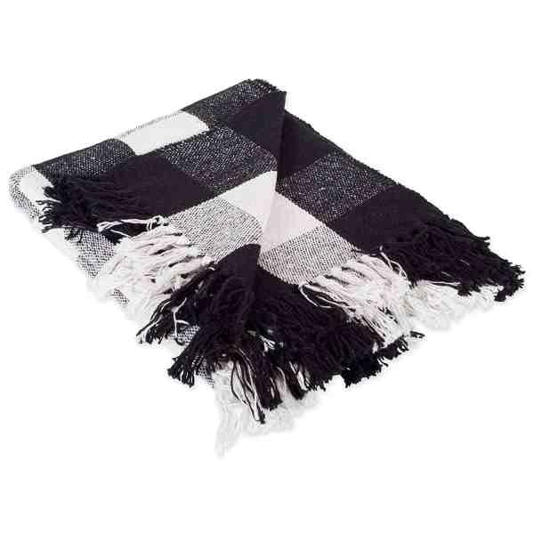 Buffalo Check Throw Blanket #fallfarmhouse #buffaloplaid #falldecor