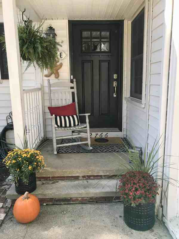 Small front porch inspiration #falldecor #fall #farmhousestyle