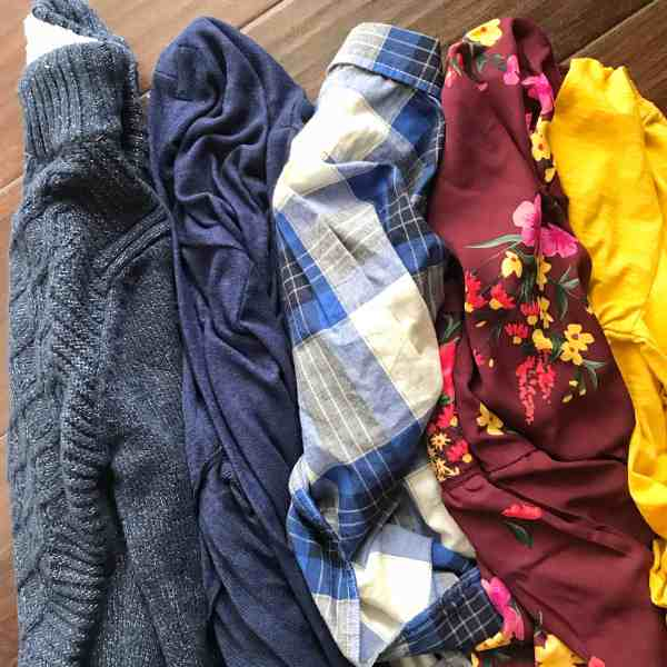 Fall family outfit ideas #fallstyle #colortheme #coordinatingoutfits