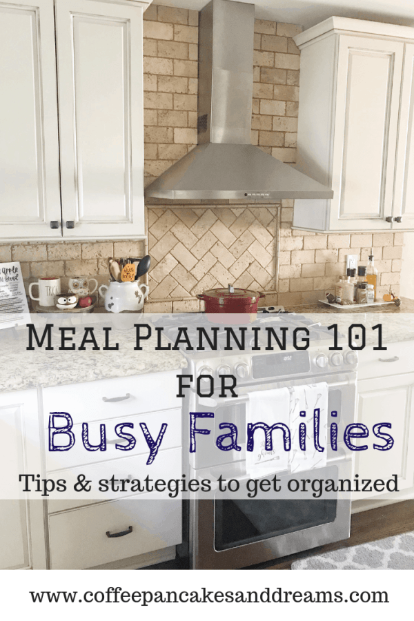 Must have strategies to succeed at family dinner planning #momhacks #dinnerideas #organization #kids #family