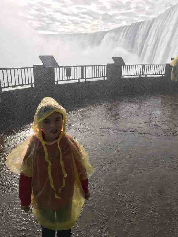 Taking Kids to Niagara Falls #attractions #thingstodo #familyfriendly