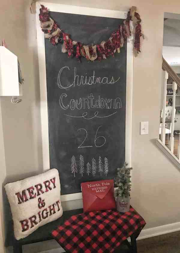 6 Tips for Simplified Farmhouse Christmas #fixeruppder #rustic #decoratingideas