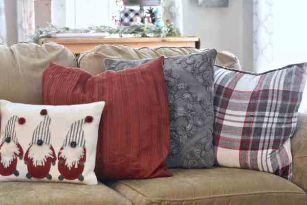 Christmas Pillow Ideas #plaid #gnomes #farmhouse