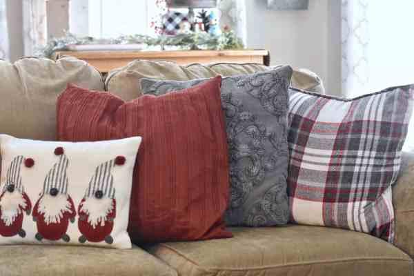 Christmas Pillow Ideas #plaid #gnomes #farmhouse