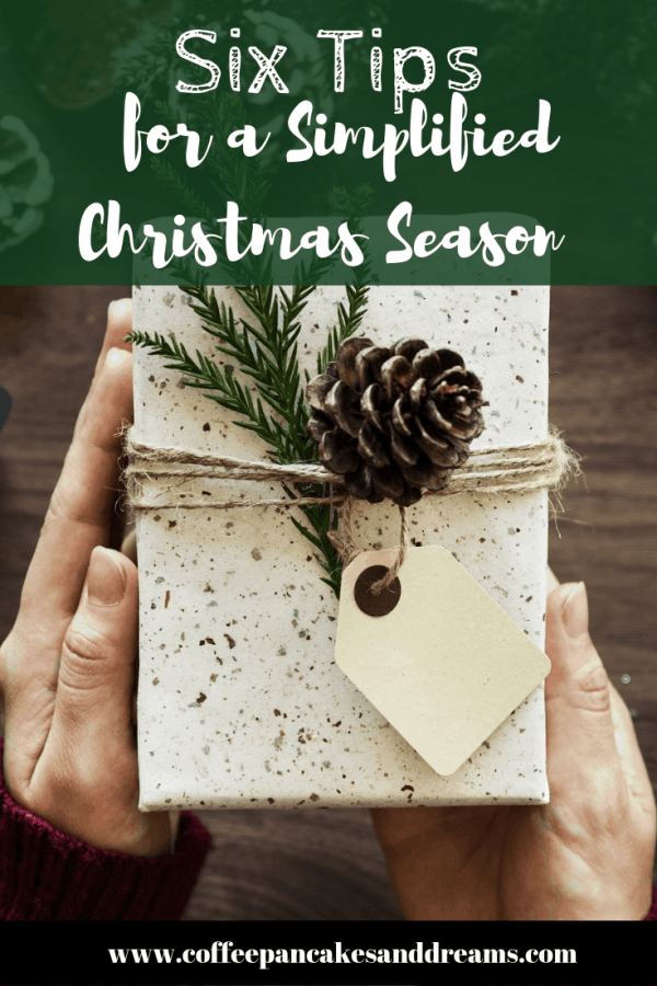 Reduce the holiday stress with these simple steps #christmaschecklist #simplifiedchristmas #christmasorganization