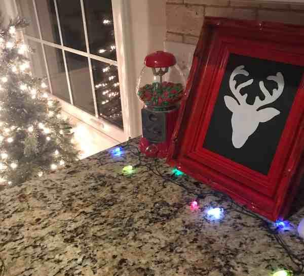 Tour 15 Decor Bloggers Christmas Homes #christmasdecorating #homedecorbloggers #beautifulchristmashomes