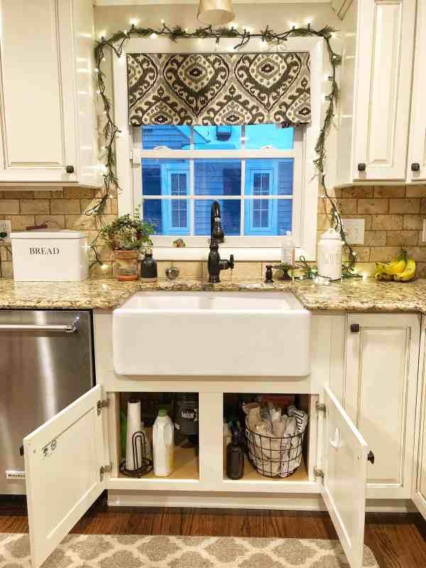 Decluttering Kitchen Cabinets #kitchenorganization #organizationideas