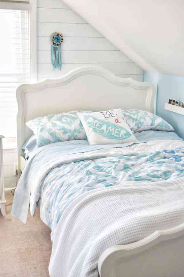 Beach themed tween girl bedroom inspiration #potterybarn #girlbedroom #bedroomideas