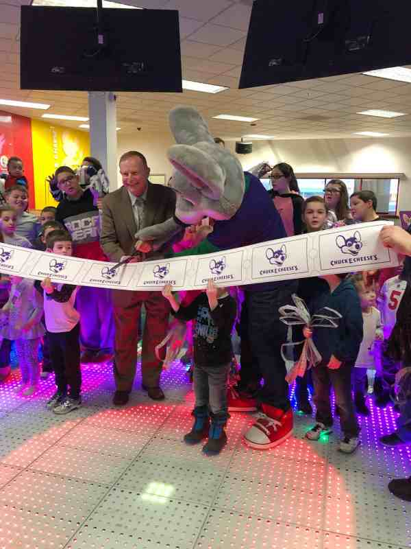 Chuck E. Cheese's Grand Reopening Party #sponsored #attractions #whattodo