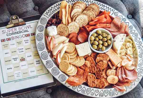 Perfect cheese board for Super Bowl party #superbowlbingo #cheeseboard #cheeseplatter