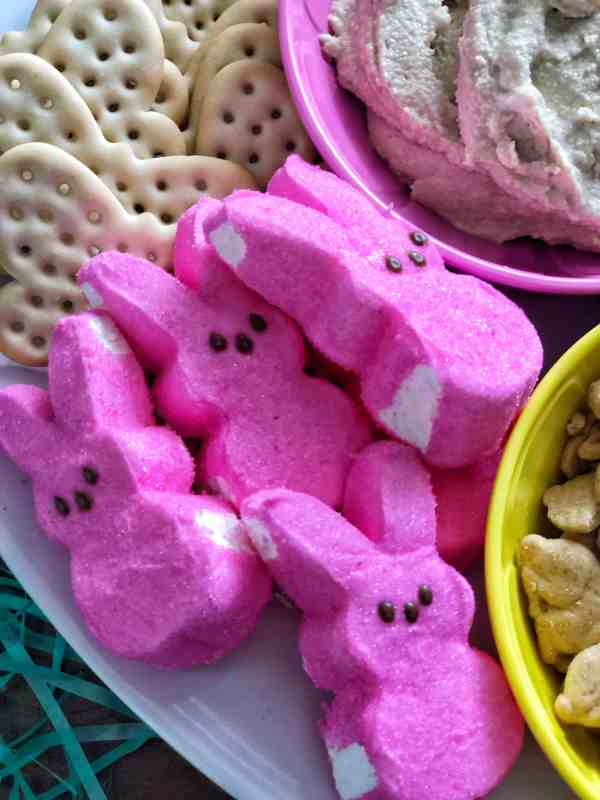 Easter themed charcuterie board #appetizer #brunch #peeps #kidfriendly #makeahead