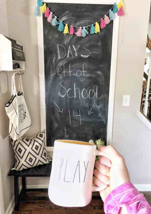 Summer Chalkboard Decor #farmhousedecor #summerdecorations #chalkboardwall