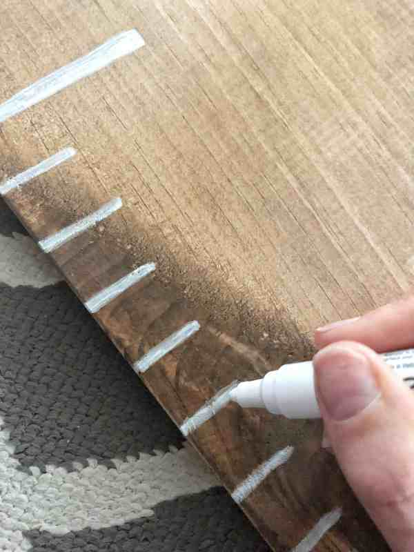 Making a ruler growth chart #DIY #howto #homedecor #homeprojects