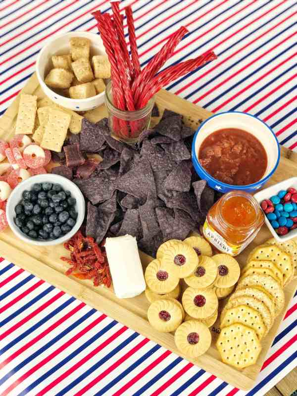 Appetizer Idea for Summer Entertaining #4thofjuly #memorialday #redwhiteblue #patrioticthemed