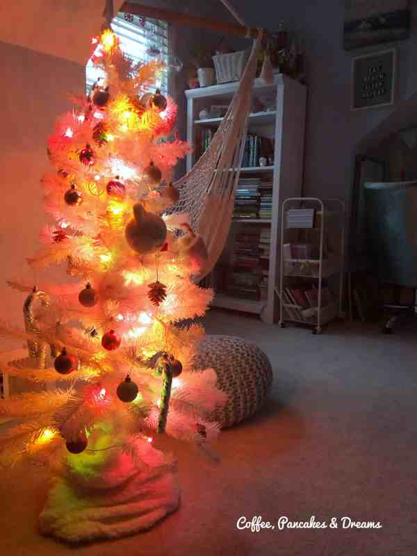 White, Pink and Glitter Christmas Tree #girls #tweens #pink