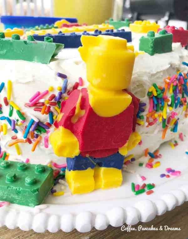 Lego minifigure birthday cake