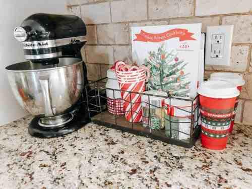Christmas Baking Essentials #checklist #christmascookies #holidaybaking