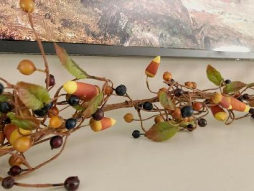 Fall berry and leaves garland for the mantel