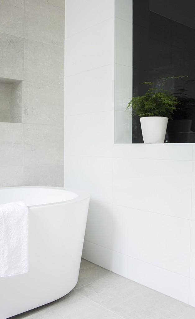 Modern bright spa and bathroom, Kelly Hoppen style, kotikylpylä, kylpyhuoneremontti, Coffee Table Diary blog