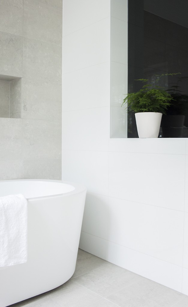 Modern bright spa and bathroom, Kelly Hoppen style, kotikylpylä, kylpyhuoneremontti, Coffee Table Diary blog