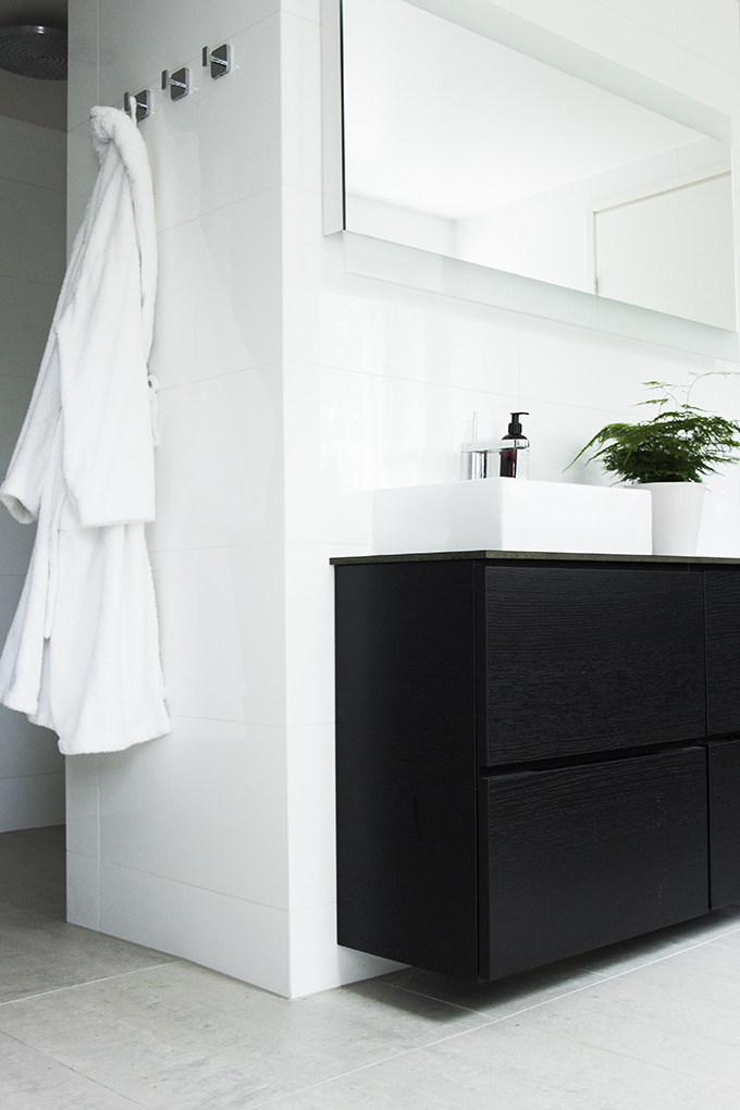Modern bright spa and bathroom, Kelly Hoppen style, kotikylpylä, Coffee Table Diary blog