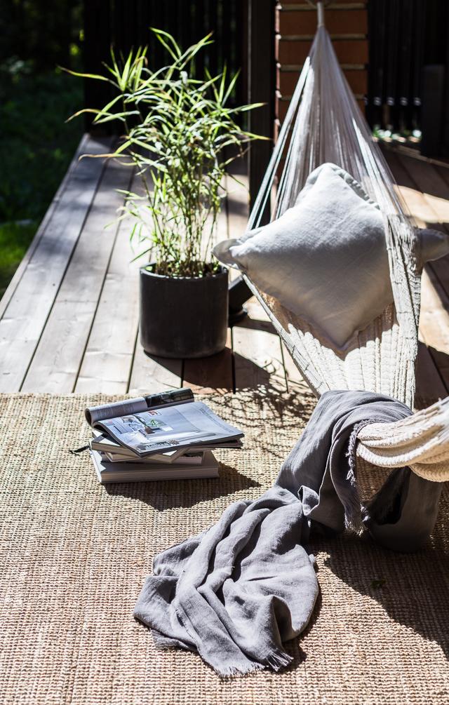 La Siesta riippumatto Pihano Coffee Table Diary terassi