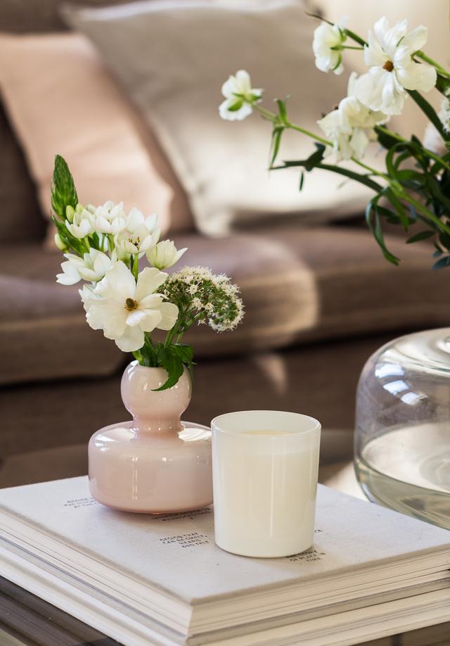 Marimekko Flower vase powder-1