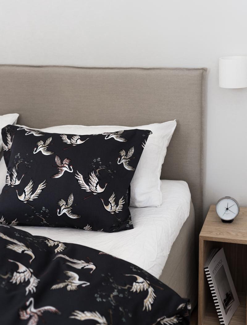 makuuhuoneen sisustus, kuviolliset mustat lakanat, Hemtex, coffee table diary blogi