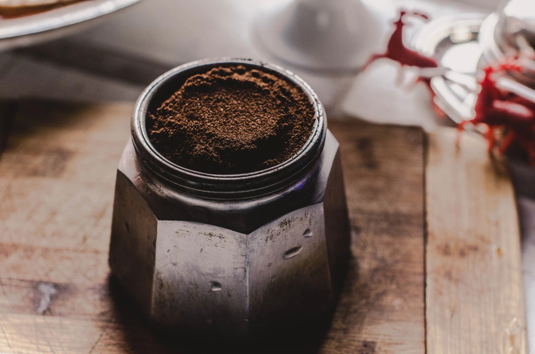 coffee grounds in moka pot